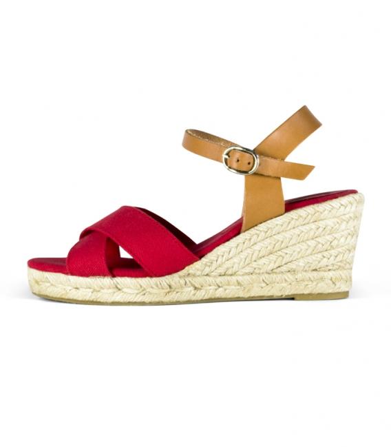 Sandalias cuña con tacón de esparto y hebilla de cuero para mujer en color rojo y marrón