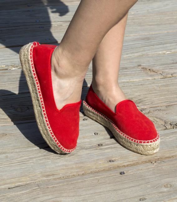 Alpargatas para mujer con suela de plataforma doble de esparto cosidas a mano en España en color rojo