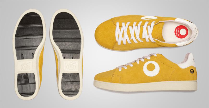 Zapatillas deportivos sneakers de piel serraje en color naranja mostaza
